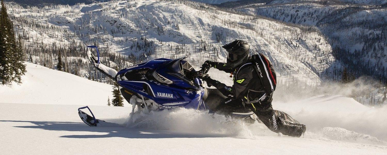2018-Yamaha-SIDEWINDER-M-TX-LE-153-EU-Racing-Blue-Action-001
