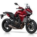 2016-Yamaha-MT07TR-EU-Radical-Red-Studio-001